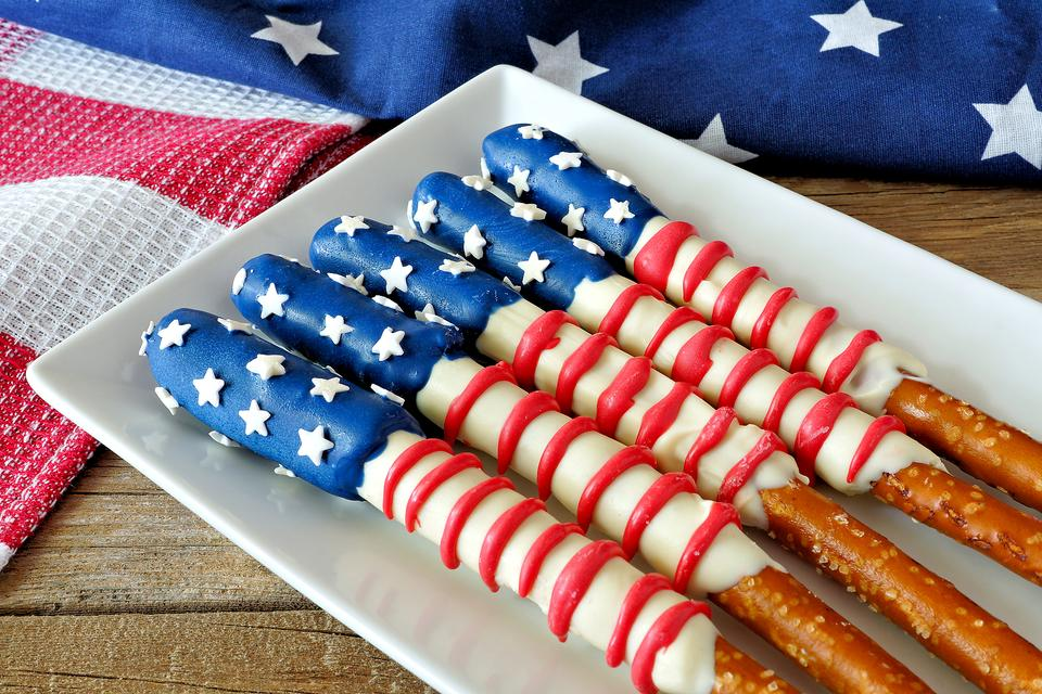 10 Patriotic Desserts & Snacks for Memorial Day That Require Minimal Effort