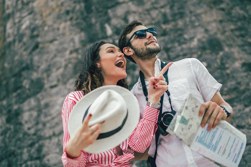 Travel Safely: 10 Ways to Keep Pickpockets Out of Your Pocket When Traveling