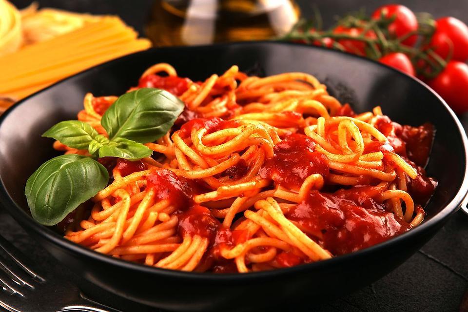3-Tomato Pasta Sauce Recipe Is Spaghetti Ready in Less Than 30 Minutes