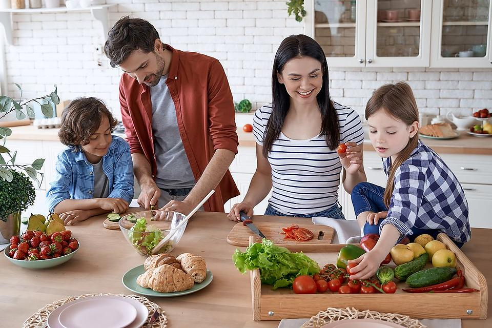 Healthier Family Nutrition Tips: 3 Ways Parents Can Make Healthy Eating Easier for Their Families