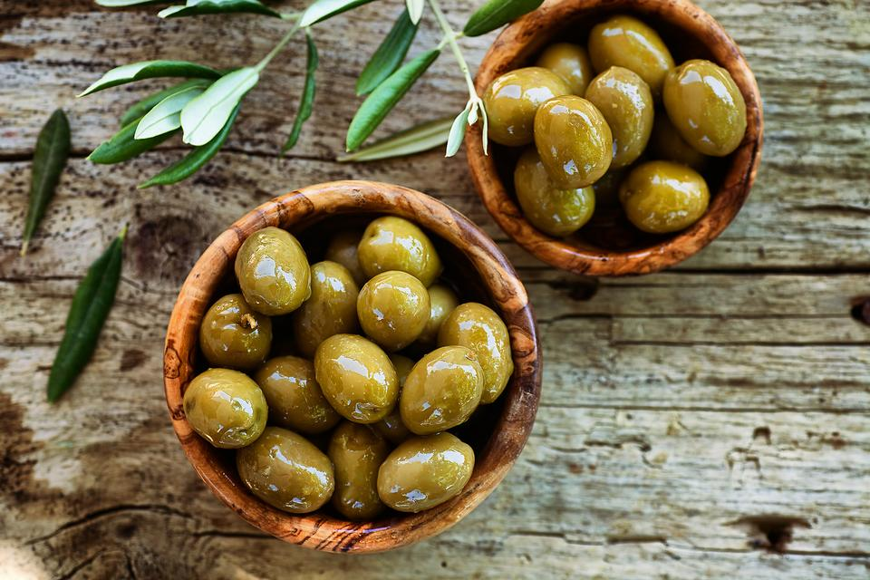 6 Fun Ways to Eat Olives (& the Healthy Reasons You Should)!