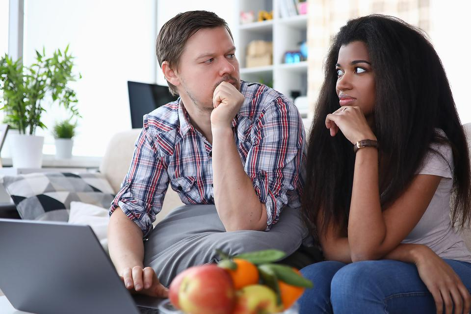 Social Distancing With Your Partner: 6 Relationship Tips for Making It Through the COVID-19 Crisis