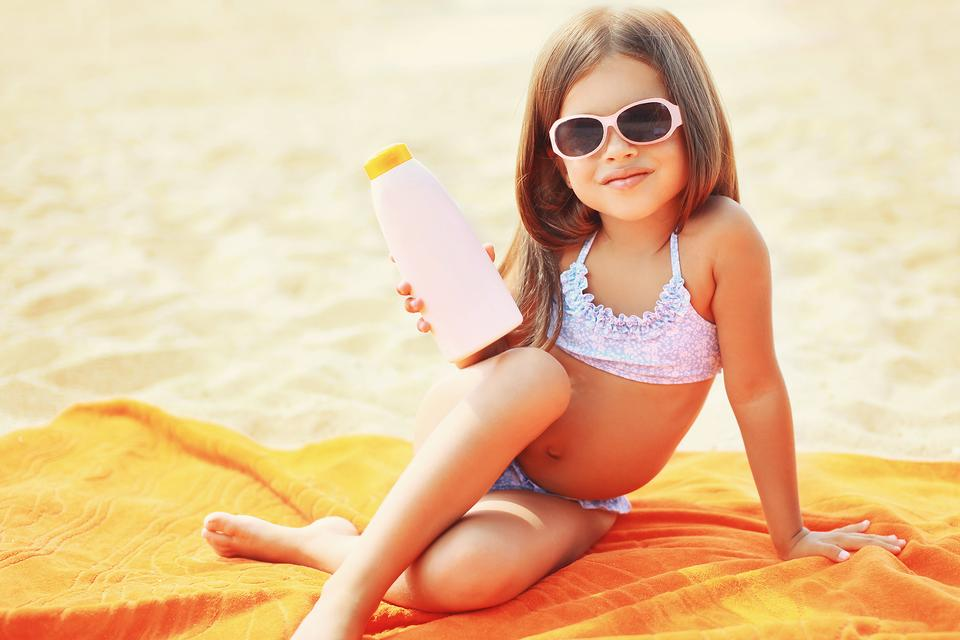 6 Sunburn-Soothing Tips for Kids (& What Not to Do)!