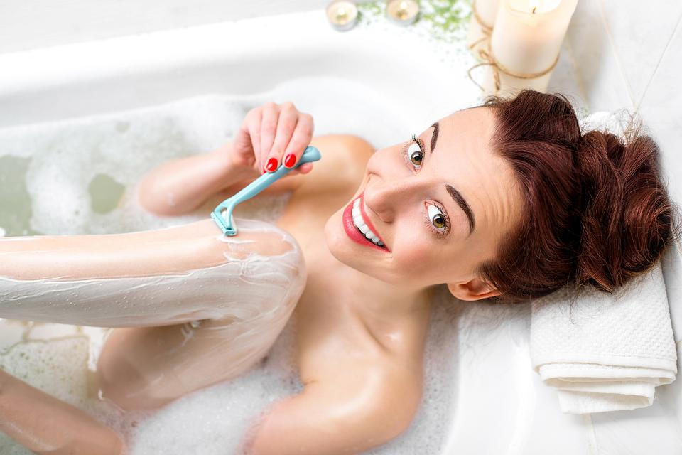 The Art of Shaving: 7 Tips to Help You Get Your Skin Smooth – Safely!