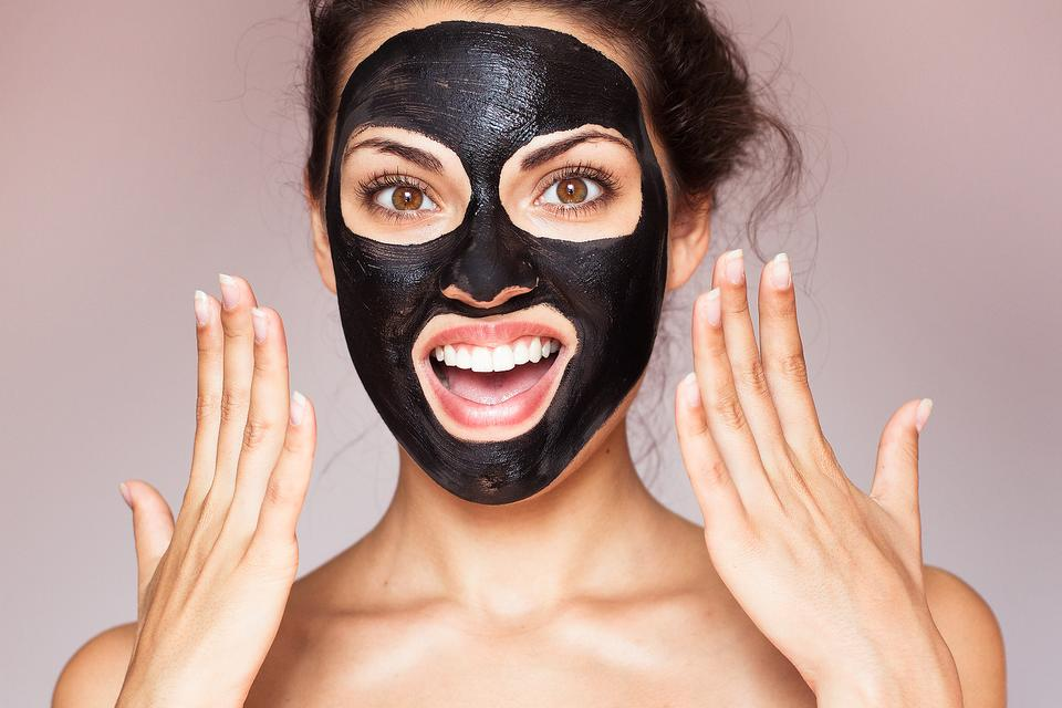 Activated Charcoal: 5 Reasons to Add Activated Charcoal to Your Beauty Routine!