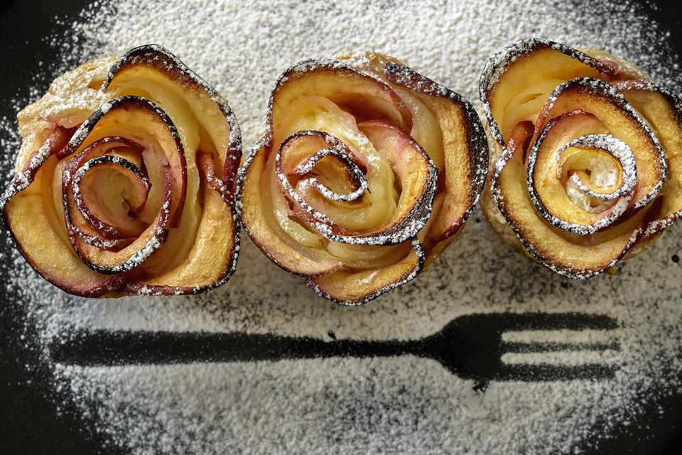 Apple Pastry Roses Dessert Recipe: How to Make Apple Pastry Roses That Are Sure to Impress Your Guests