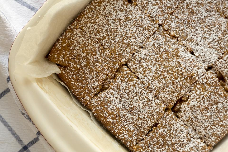 Snack Cake Recipe: This Easy Applesauce Cake Recipe Is a One-Bowl Wonder