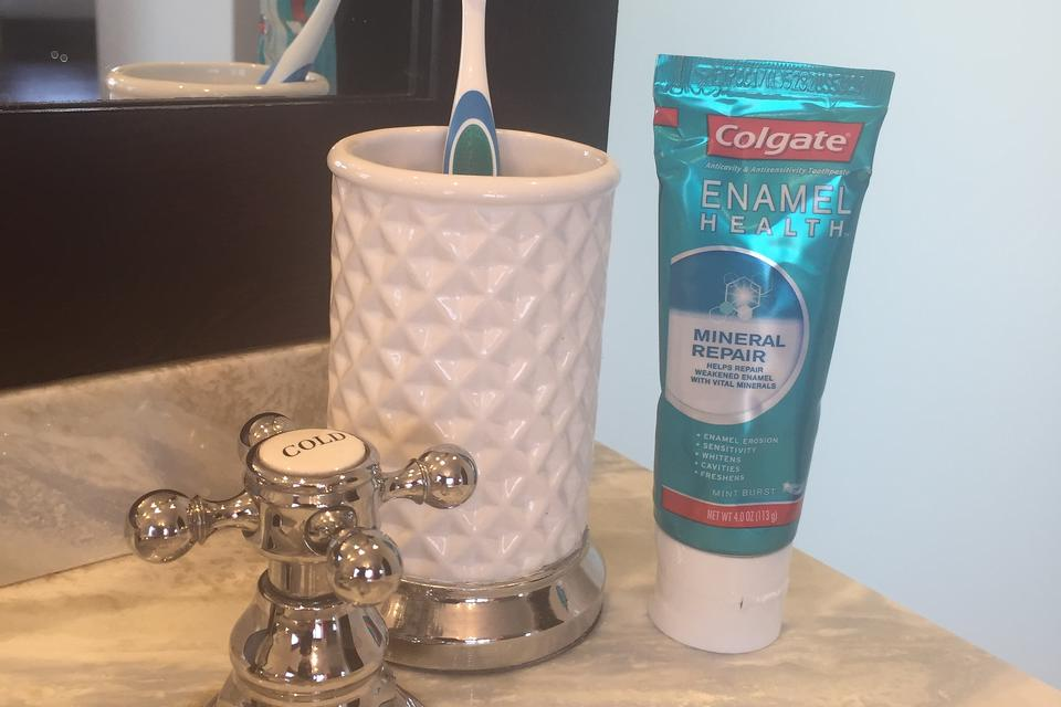 Are You Wasting Water? Colgate Shares an Easy Way to Save 4 Gallons!