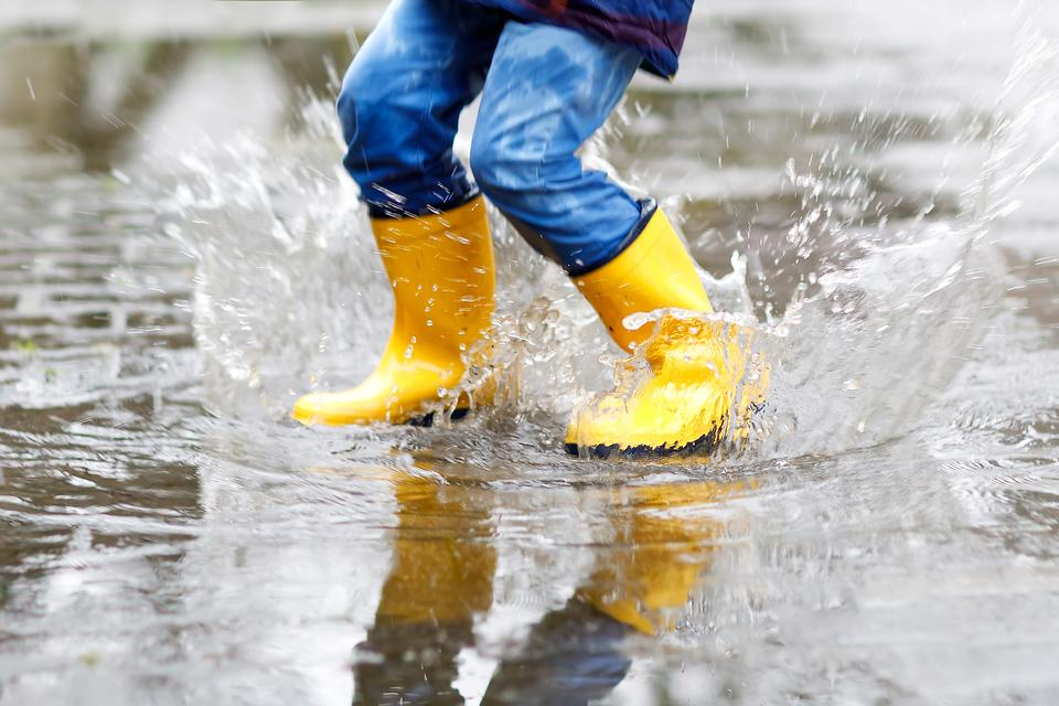Puddle Parenting: Are You a Puddle Parent? Here's Why I Hope You'll Practice This Parenting Style