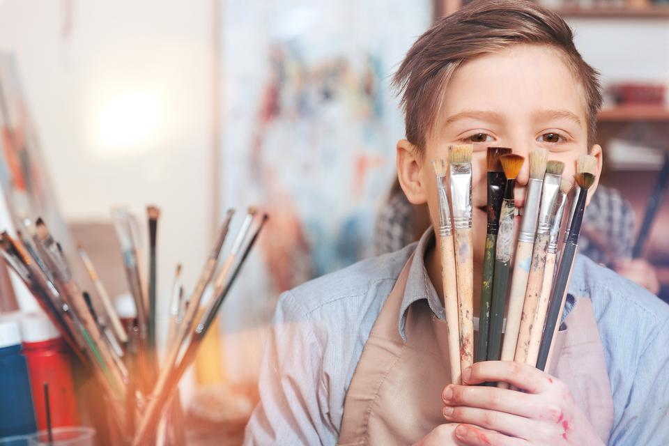 Artsy Teens: 5 Ways to Encourage Your Teenager to Get Into Art & Painting