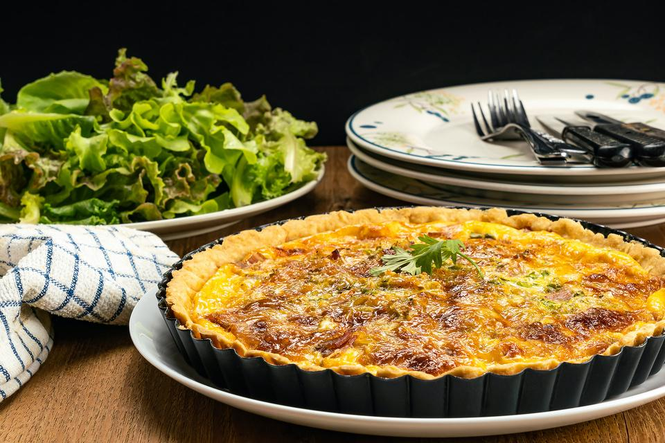 Bacon & Cheddar Quiche Recipe: This Bacon, Egg & Cheddar Quiche Recipe Is Brunch on Steroids