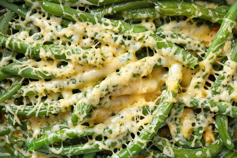 This Cheesy Garlic Green Bean Recipe Will Make You Want to Eat Your Vegetables