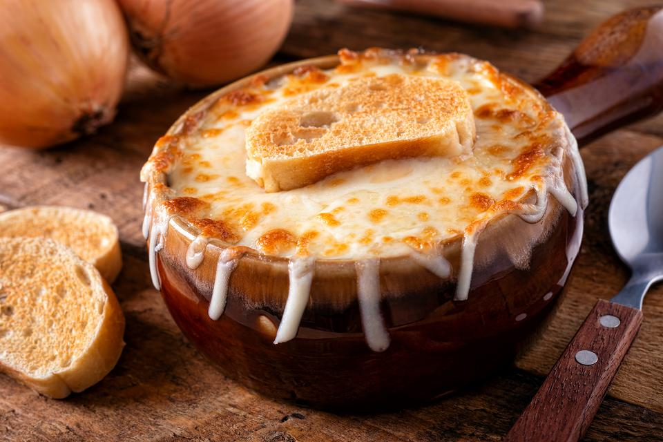 Best French Onion Soup Recipe: A Chef Shares Her Favorite Easy French Onion Soup Recipe