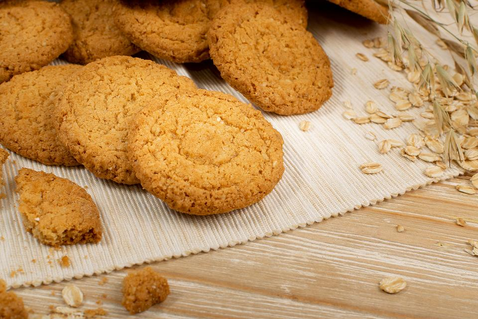 Blender Cinnamon Oatmeal Cookies Recipe: This Easy Oatmeal Cookie Recipe Is a Sweet Way to Use Your Blender