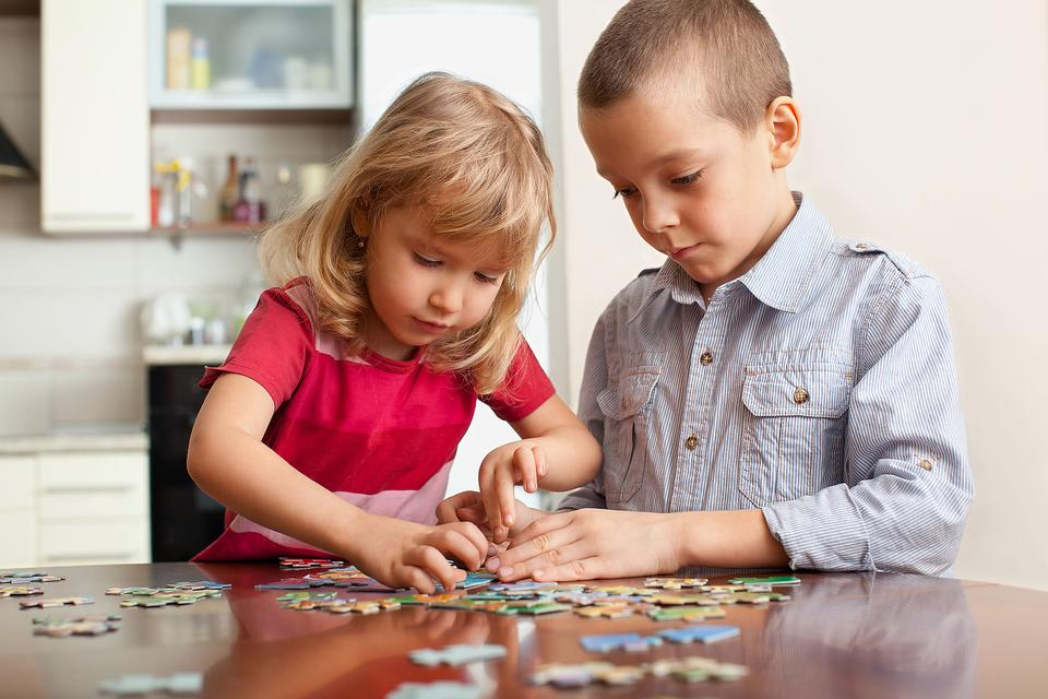 Bored Kids? 3 Ways Jigsaw Puzzles Help Kids Grow & Develop!