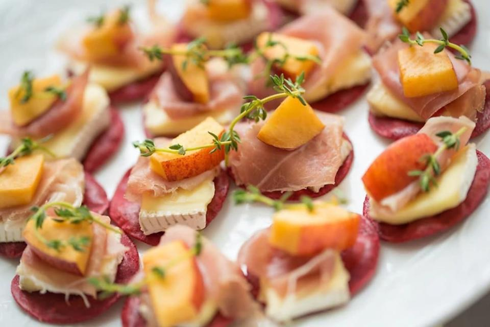 Appetizer Recipes: Brie Peach Crostini Is an Elegant & Easy Appetizer