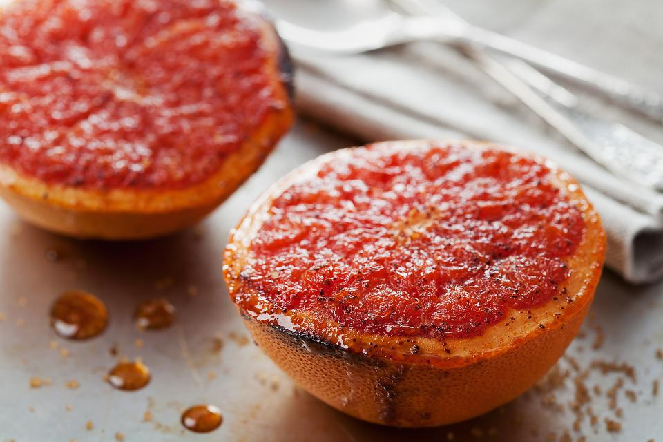 Broiled Grapefruit: A Healthy Recipe That's Ready in Minutes!
