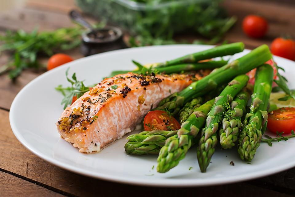 Broiled Salmon & Asparagus Is Healthy & Ready in Under 30 Minutes!