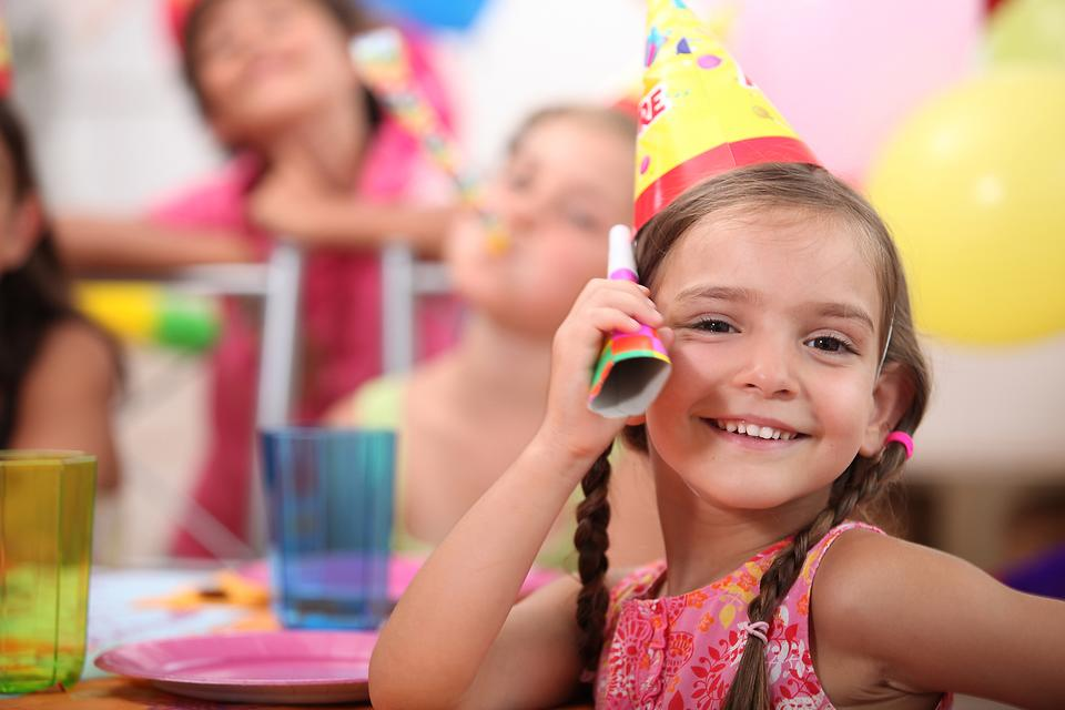 Budget Birthdays: 7 Steps to Save Money on Your Child's Party!