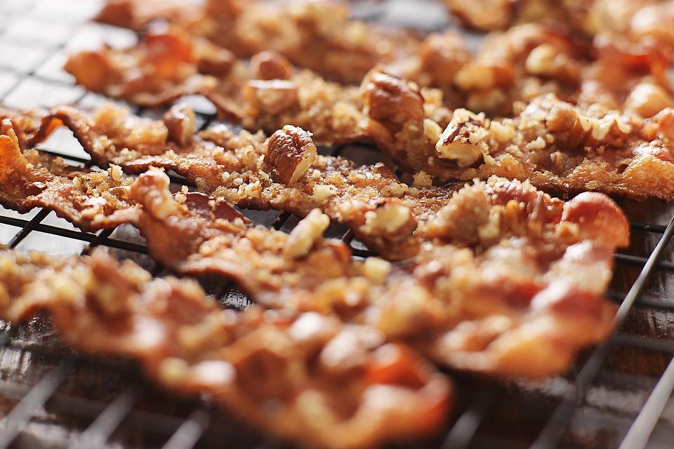 Crazy Good Candied Bacon Recipe: This Easy Brown Sugar & Pecan Bacon Recipe Is Heaven