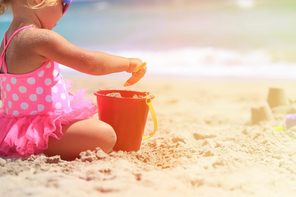 Capture the Beach In a Jar With This Fun Summer Activity