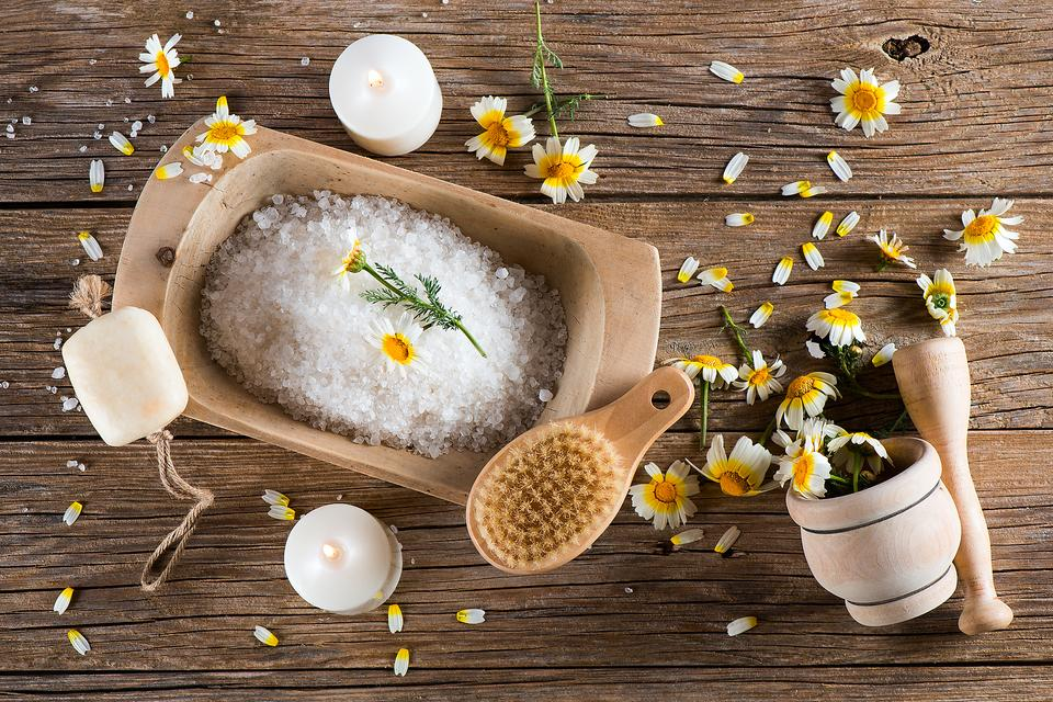 Chamomile Tea Isn't Just for Drinking: Here's How It Can Help Soothe Your Skin!