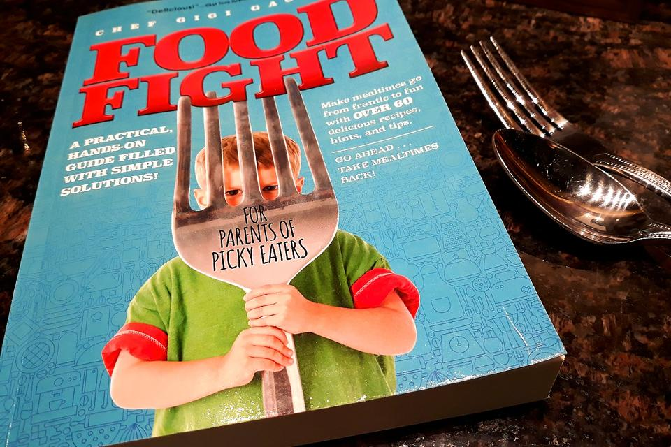 """Chef Gigi Gaggero's """"Food Fight for Parents of Picky Eaters"""" Wins a National Parenting Product Award!"""
