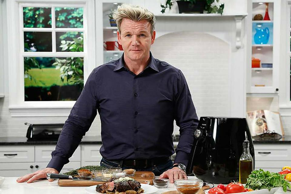 Chef Gordon Ramsay Inspires Busy Families to Cook Healthy! Here's His Secret!