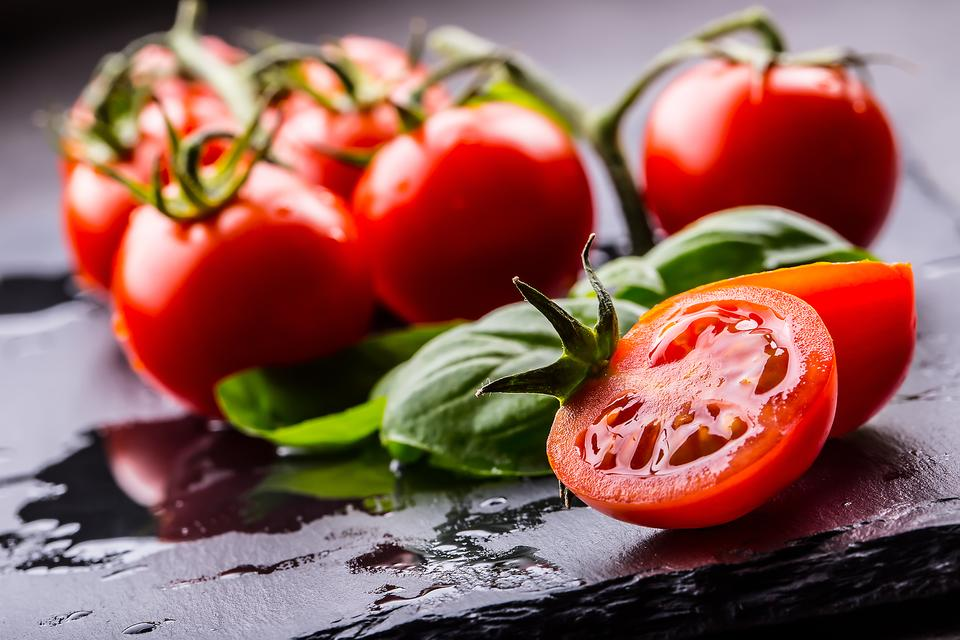Cherry Tomatoes: 5 Yummy Ways They Give You a Nutritional Boost!