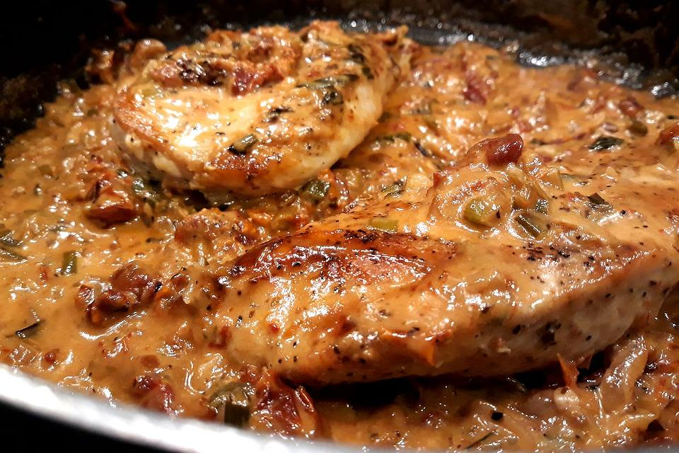 20-Minute Chicken Recipe: Easy Chicken Breasts Recipe With a Sun-dried Tomato Cream Sauce