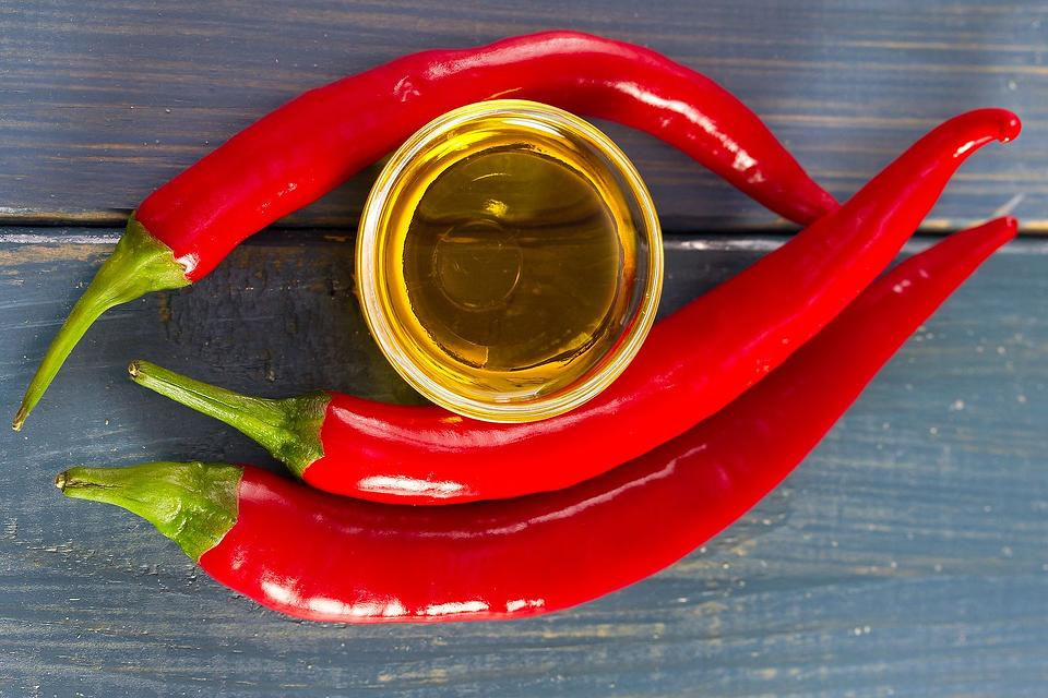 Cayenne Pepper Oil Recipe: How to Make Infused Cayenne Oil & the Health Benefits of Cayenne Peppers