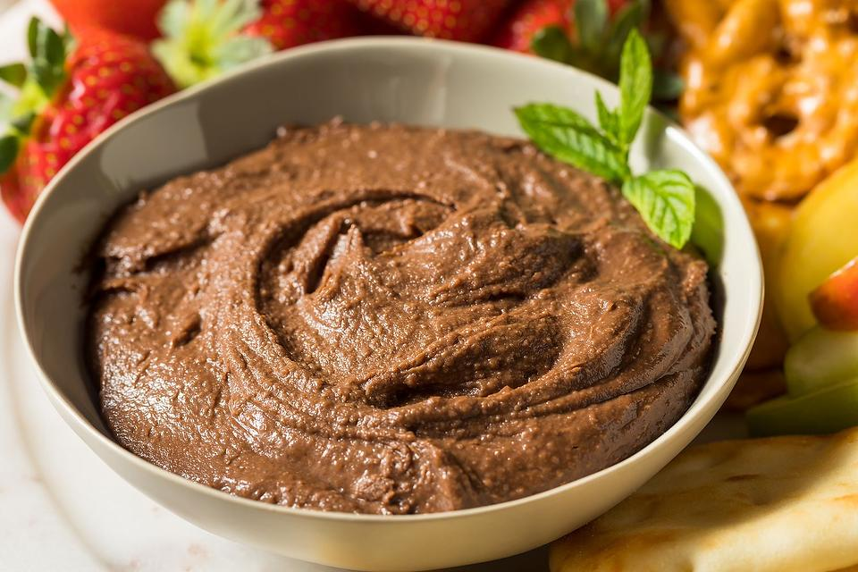 Easy Chocolate Hummus Recipe: This Chocolate Hummus Recipe Is Ready in 5 Minutes (Seriously!)