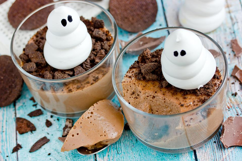 Halloween Chocolate Mousse Dessert Cups Are Hauntingly Easy to Make