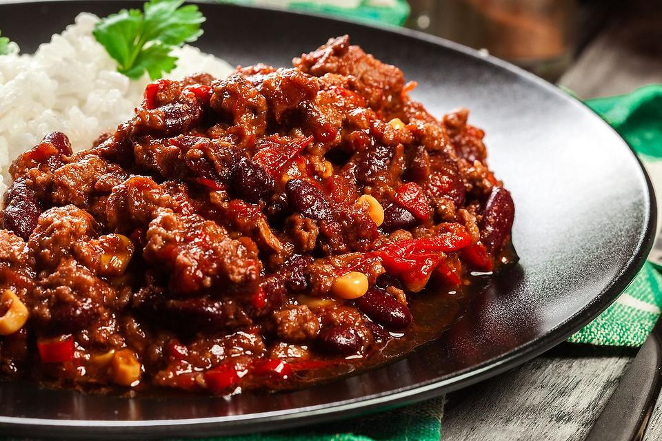 Cinco de Mayo Recipes: This Easy Chili Con Carne Recipe Is a Party in Your Mouth