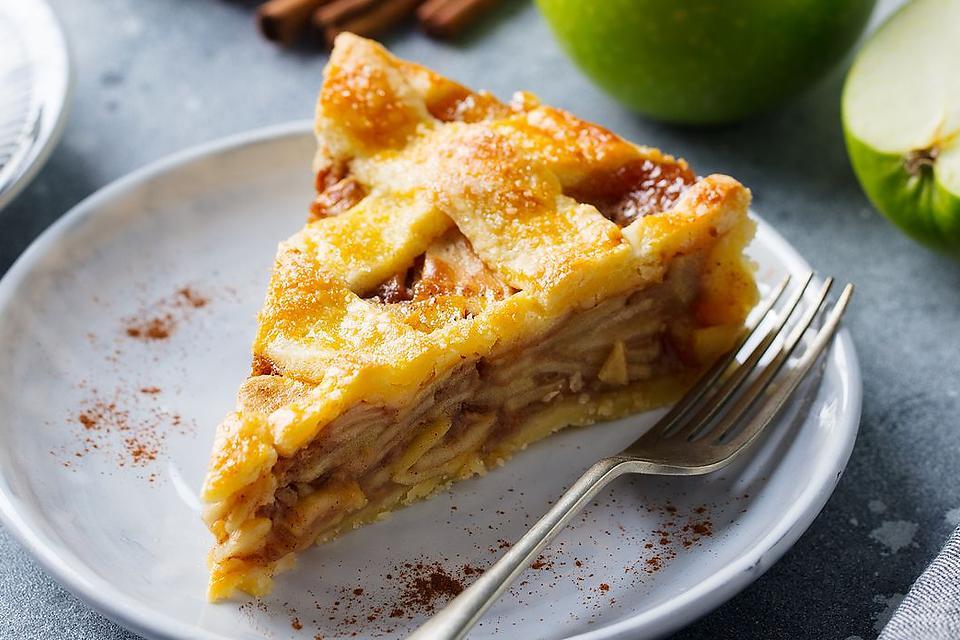 Cinnamon Apple Cream Pie Recipe: This May Be the Best Apple Pie You've Ever Eaten