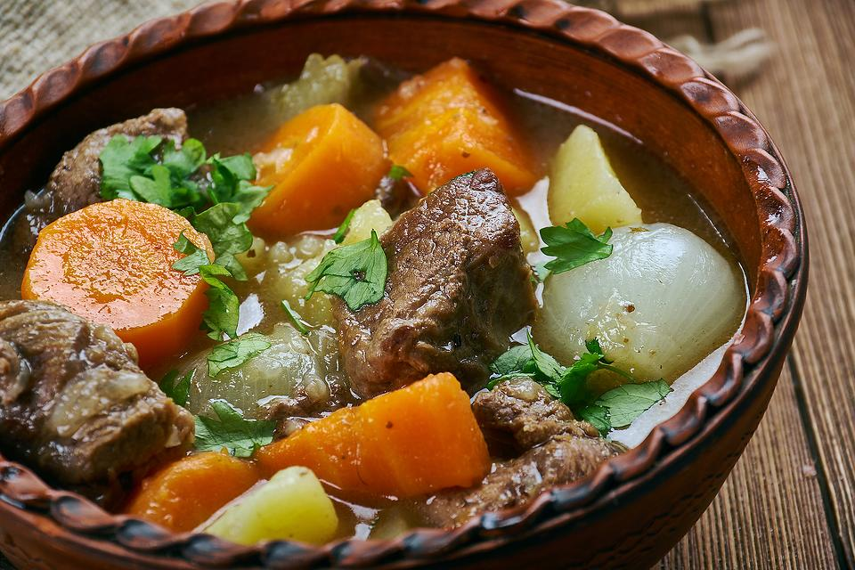 Classic Amish Stew Recipe: This Easy Amish Beef Stew Recipe Smells Heavenly & Tastes Even Better