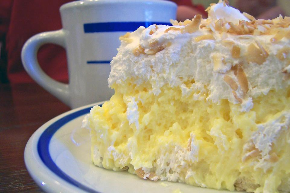 Coconut Cream Pie Recipe: No Oven Needed for This Easy No-Bake Coconut Cream Pie Dessert