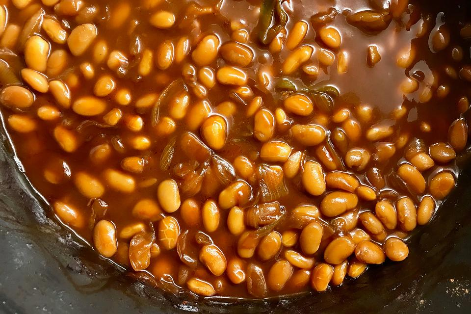 Cola Baked Beans Recipe: This Slow-cooker Baked Beans Recipe Is a Sweet Side Dish
