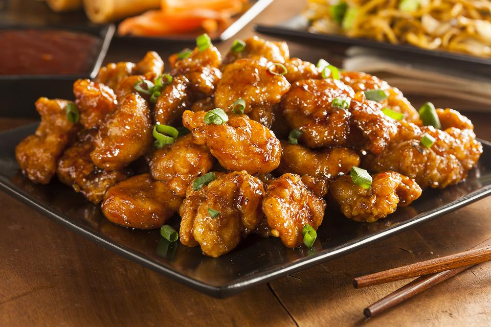 This Simple Sweet & Sour Chicken Recipe Satisfies Those Chinese Food Cravings