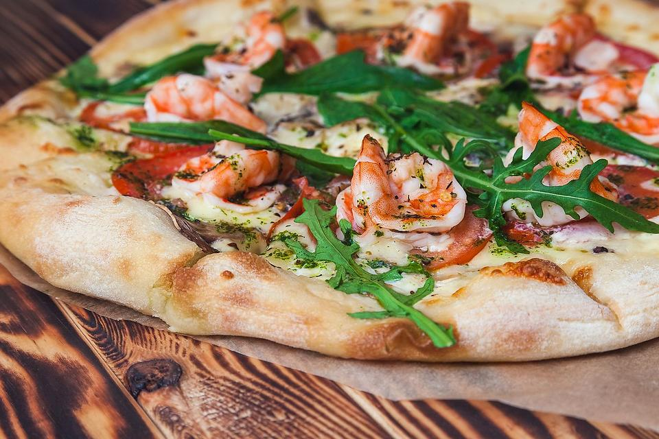 Creative Pizza Recipes: This Easy Shrimp Scampi Pizza Puts a Fun Twist on Pizza Night & a Classic Seafood Recipe