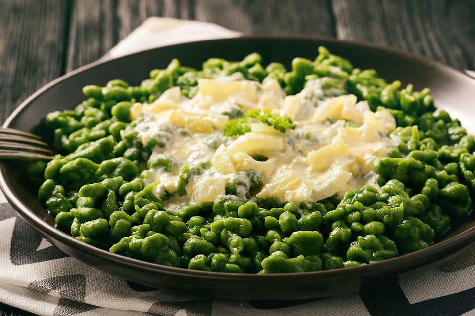 Easy Spaetzle Recipes: Spinach Spaetzle Recipe With a Simple 2-Ingredient Cheese Sauce