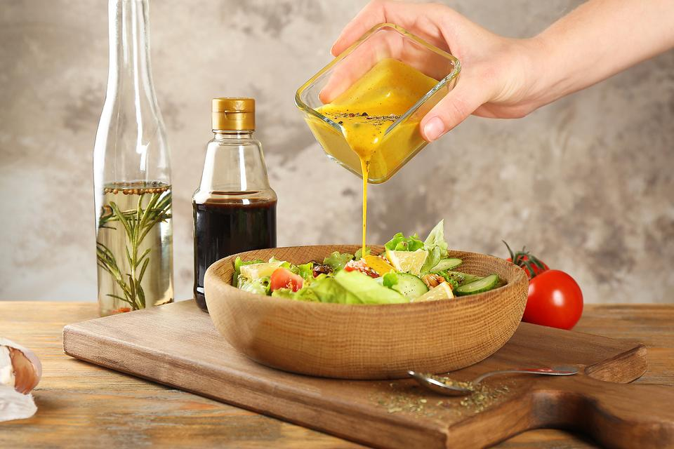 Homemade Vs. Store-Bought Salad Dressings: Here Are 3 Reasons You Should Make Your Own!
