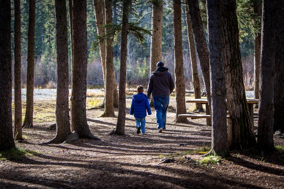 Dads & Moms May Parent Differently: Here's Why It's OK!