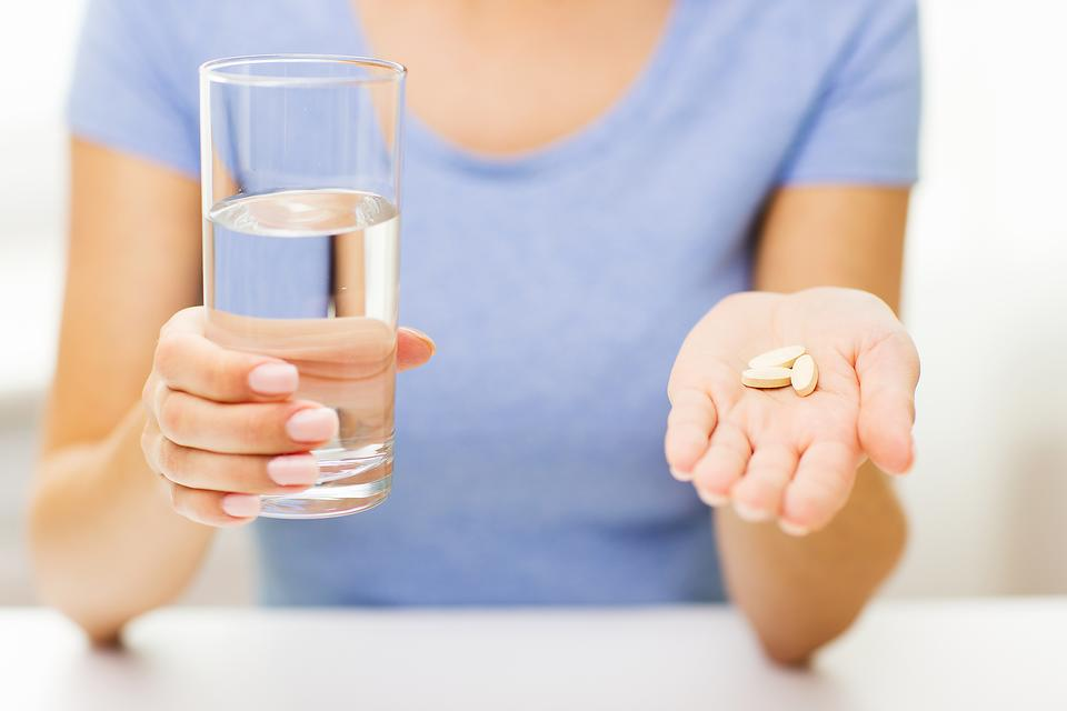 Do Women Really Need to Take Multivitamins? A Doctor's Opinion!