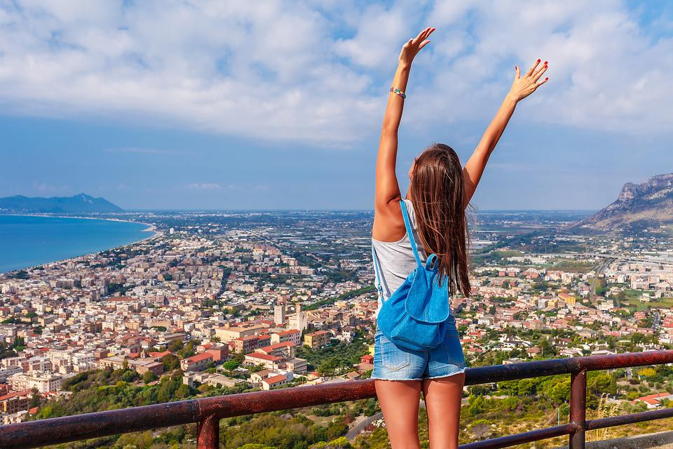 Don't Let Money Keep You From Traveling: 6 Tips to Help Make Your Dreams Reality!