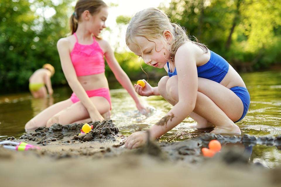 Coronavirus Is Affecting Childhood: Why I Think Parents Need to Get Their Kids Outside to Play Together