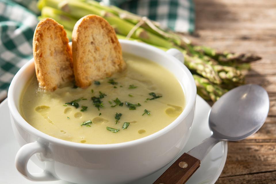 Easy Asparagus Soup Recipe: This Creamy Asparagus Soup Recipe Tastes Like Spring