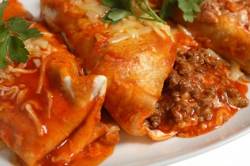 This Beef Enchiladas Recipe Is Easy, Low Calorie & Has Just 6 Ingredients
