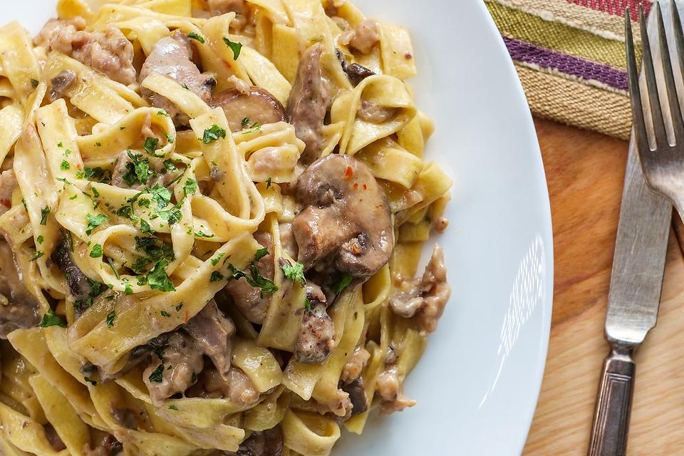 Ground Beef Recipes: This Creamy Fettuccine Beef Stroganoff Recipe Is an Easy 20-Minute Meal