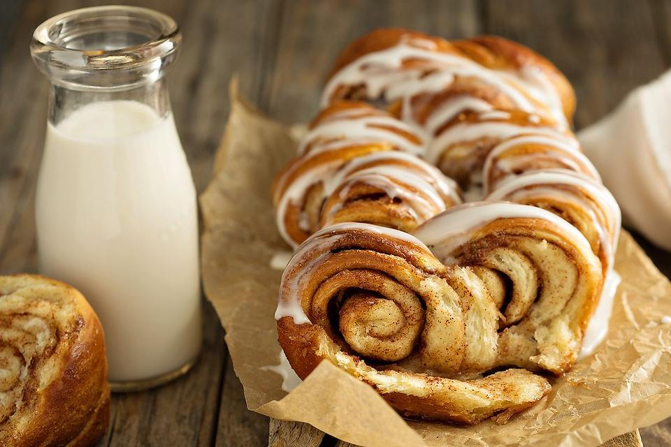 Easy Cinnamon Roll Bread Recipe: This 3-Ingredient Cinnamon Roll Loaf Recipe Will Get Oohs & Ahhs